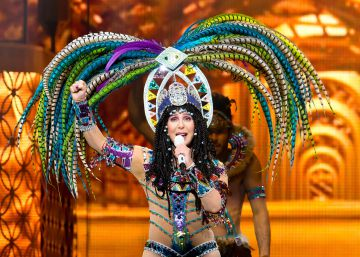 Cher en 20 vestidos