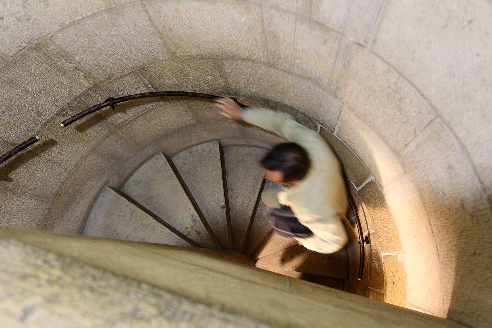 Fotos el renacido museo de san isidoro cultura el pa s - Escalera caracol usada ...