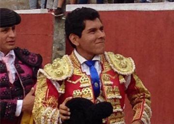 Renatto Motta, novillero peruano muere de una cornada en la plaza