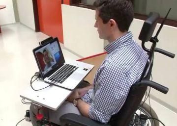 A cadeira de rodas que se move num piscar de olhos
