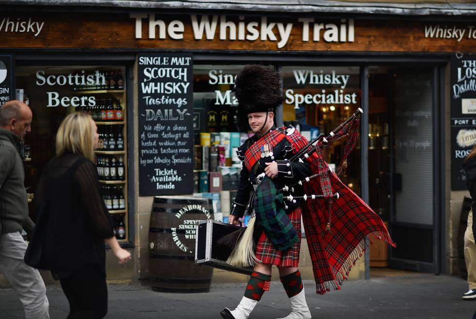 No, no hay que ir así para fingir que sabes de Whisky.