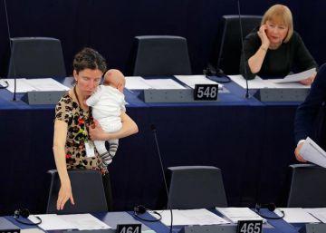 Bebés en el Parlamento. ¿Simbolismo o necesidad?