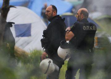 Grecia comienza a desalojar Idomeni