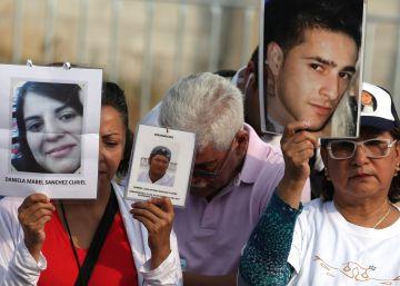 Encuentran 100 cadáveres en una fosa común de Morelos