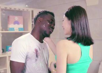 Un anuncio acusado de racista desvela la obsesión por la blancura en Asia