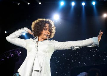 El legado de Whitney Houston sale a subasta