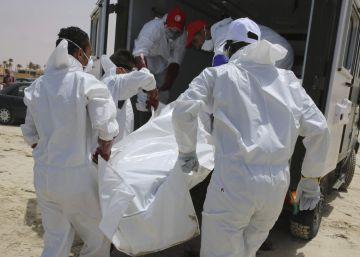 Cadáveres en la costa de Libia