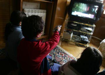 """La mayoría de alimentos """"saludables"""" que tu hijo ve en televisión no son sanos"""
