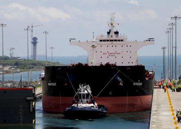 Un buque de prueba cruza por primera vez en Canal de Panamá