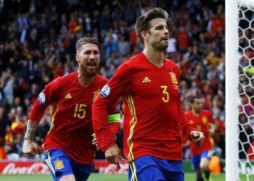 10 imágenes del partido de hoy de Piqué 'comentadas' por Cervantes