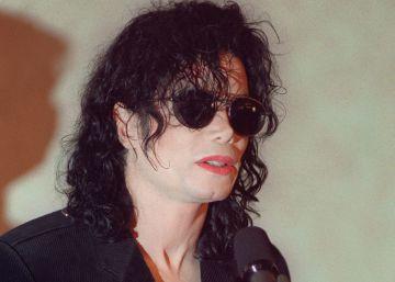 Fotos y revistas vinculan a Michael Jackson con la pornografía infantil