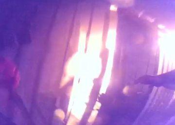 El rescate de una mujer atrapada entre las llamas