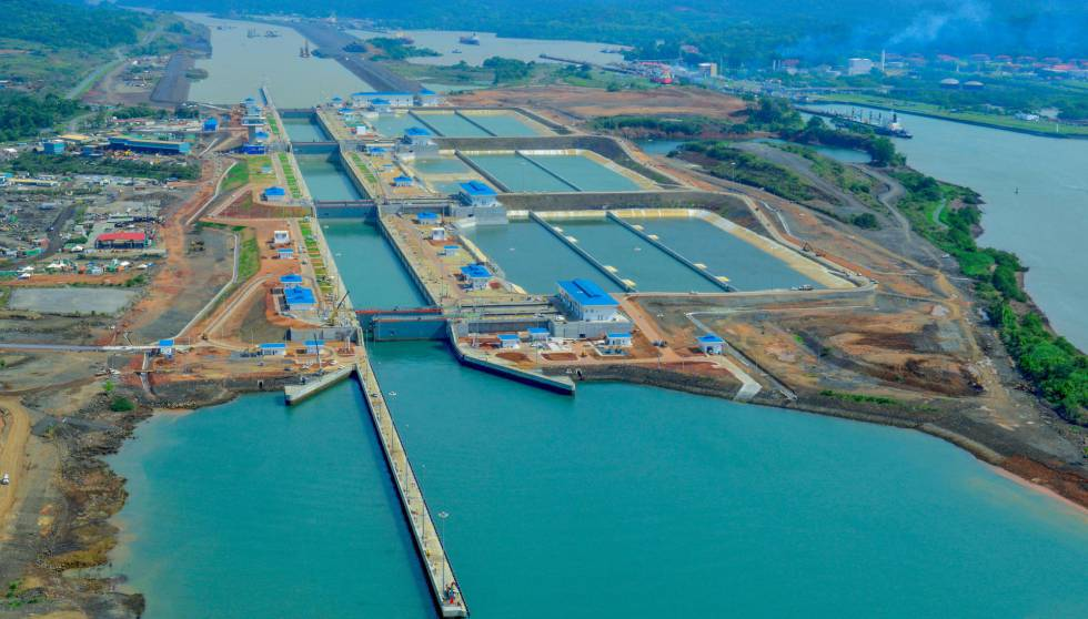 Panorámica de la esclusa de Cocolí en Ciudad de Panamá.