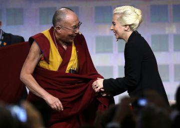 Polémica en China por el encuentro de Lady Gaga con el Dalai Lama