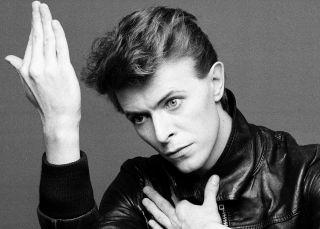 ¿Cuánto cuesta un mechón de pelo de David Bowie?