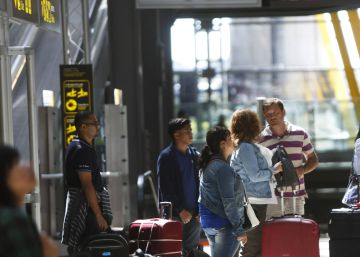 Number of Spaniards moving abroad hits highest level since crisis began