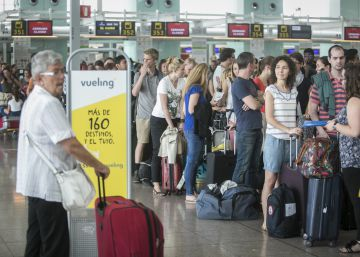 Vueling execs called in to explain flight chaos at Barcelona airport