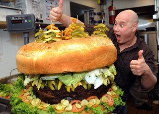 La hamburguesa de 86 kilos y otras locuras de la comida 'yanqui'