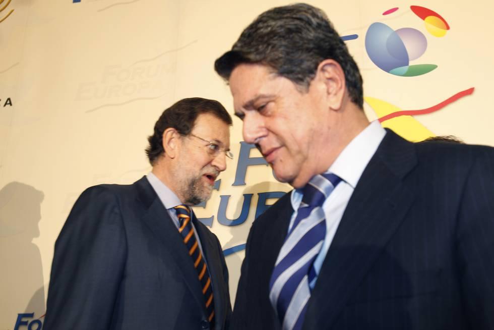 Federico Trillo junto a Mariano Rajoy durante un evento del Fórum Europa celebrado en Madrid.rn