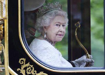 Isabel II paga 1.600 euros para que le laven los platos