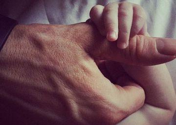 Ryan Reynolds cuenta en 14 tuits por qué su paternidad no mola tanto