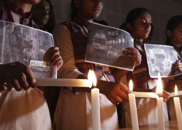 Homenaje a las víctimas del atentado