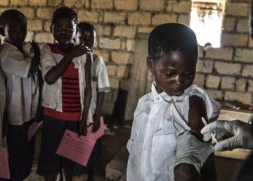 La vacunación infantil básica se amplía, pero continúan las desigualdades