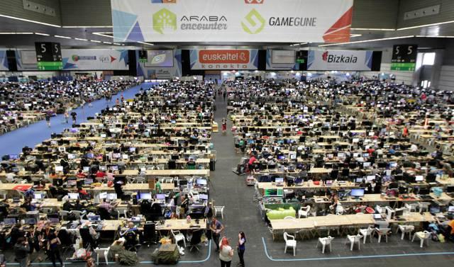El BEC de Barakaldo acoge la mayor fiesta de ordenadores del País Vasco, la Euskal Encounter.
