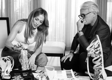 Jennifer Lopez también diseña zapatos