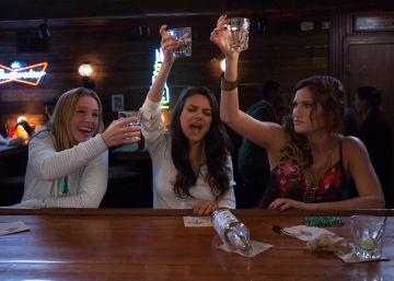Kristen Bell, Mila Kunis y Kathryn Hahn, en un fotograma de 'Malas Madres'..