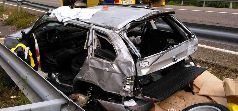 Tres personas heridas en un accidente de tráfico en Llanes (Asturias).
