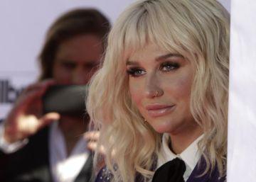 Kesha retira una de las demandas de acoso contra su mánager
