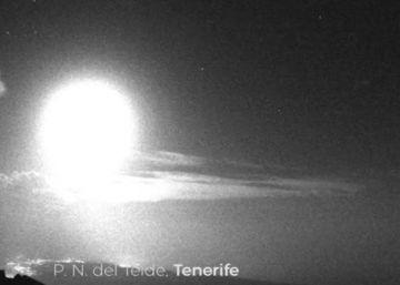 Un gran meteoro impacta contra la atmósfera sobre Tenerife
