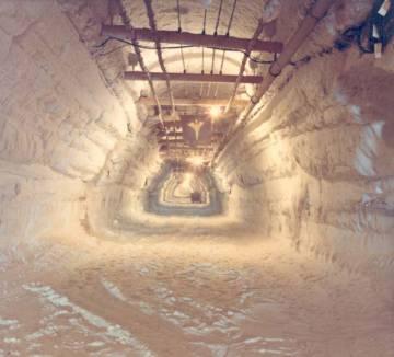 La `'calle' principal de la ciudad medía 400 metros de largo y estaba conectada a otros 16 túneles.