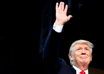 ¿Se derrite Trump, y Hillary en problemas?