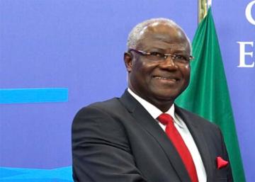 ¿Otro presidente africano que no quiere levantarse del sillón?