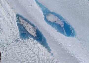 La formación de lagos azules en la Antártida alarma a los científicos
