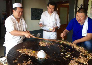 "Da Dong (Junior) y las ""barbacoas"" de Mongolia"