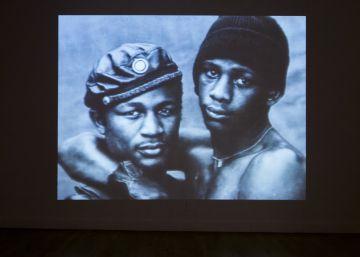 La primera exposición que examina la influencia del sida en el arte