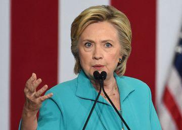 Clinton pasa al ataque contra Trump