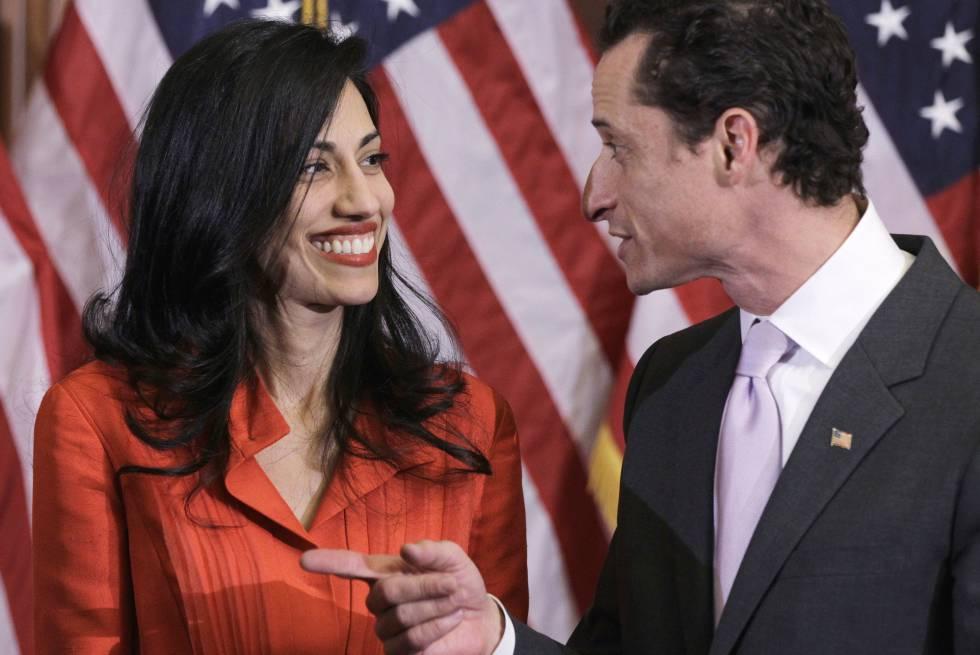 Anthony Weiner y Huma Abedin, en enero de 2011.