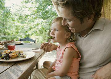 En vacaciones, ¿nos llevamos o no la comida del niño?