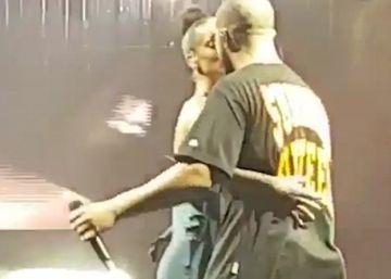 Drake y Rihanna, por fin, se besan en público