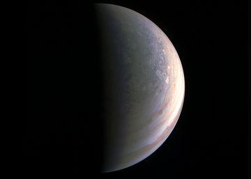 La primera imagen del polo norte de Júpiter desconcierta a la NASA