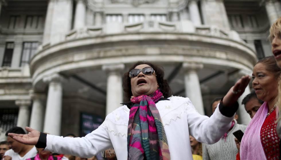 México no descansa para despedir a Juan Gabriel