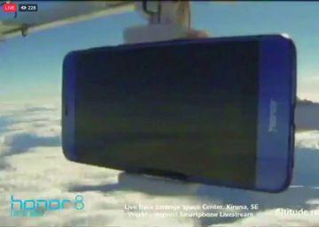 El vídeo de un 'smartphone' a 18.000 metros de altura