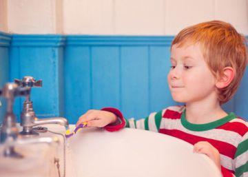 ¿Por qué mi hijo rechina los dientes?