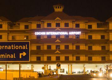 Así es el único aeropuerto que se abastece con energía solar
