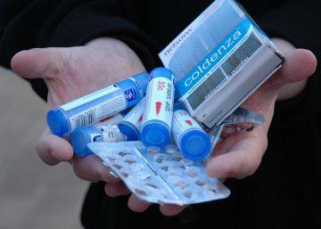 """Un centenar de farmacéuticos se moviliza contra el """"engaño"""" de la homeopatía"""