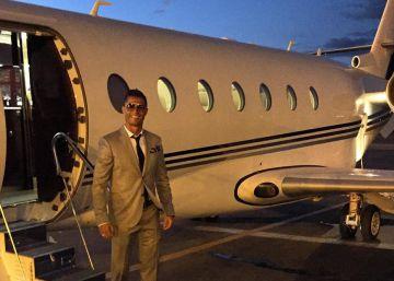 El avión de Cristiano Ronaldo se sale de pista en El Prat
